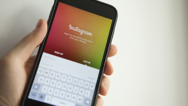 Instagram Inviting College Students to Join New Groups Organized by School