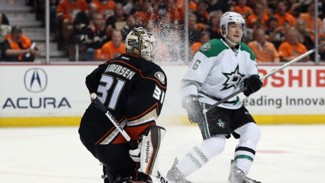 Ducks Shoot Down Stars in Game 1