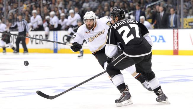 Ducks Shut Out Kings 2-0 to Tie Series