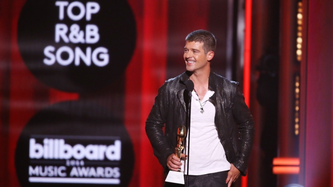 "Robin Thicke Admits He ""Was High"" During ""Blurred Lines"" Recording"