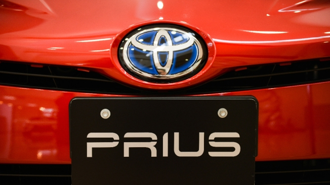 Toyota to Recall 2.4 Million Hybrid Cars Worldwide for Stalling Risk