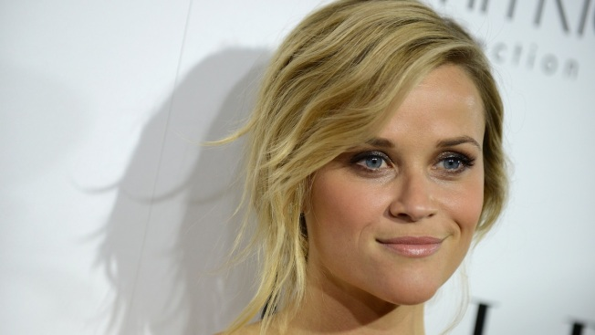 "Reese Witherspoon Talks Parenting, Producing ""Gone Girl"""