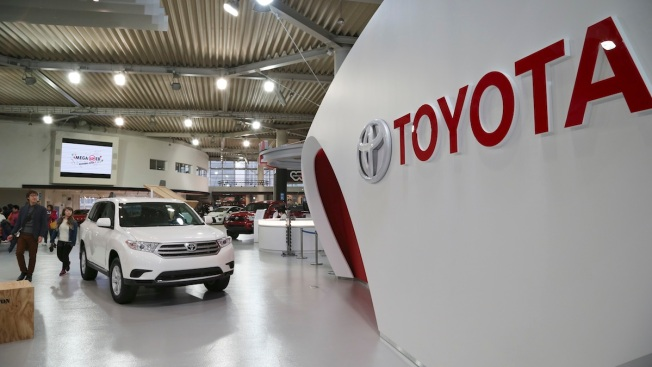 Toyota to Recall 1.9M Prius Cars for Software Defect