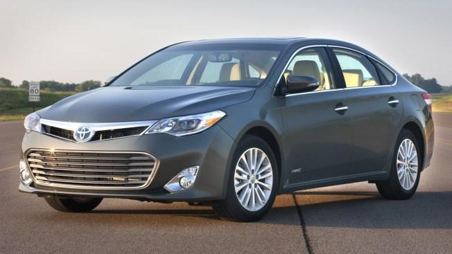Toyota Recalls More Than 800,000 U.S. Cars for Air Bag Problem