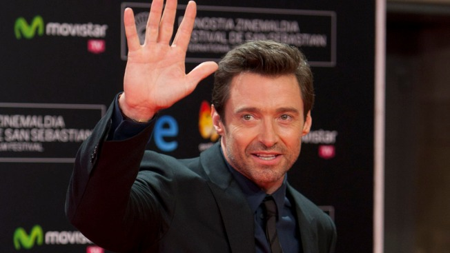 Paparazzo Helps Out Hugh Jackman, Buys His Son a Toy
