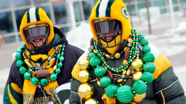 Deep Freeze Puts Chill in Tailgating in Green Bay