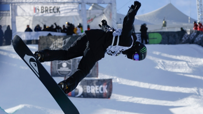 Shaun White Locks Up U.S. Olympic Halfpipe Spot