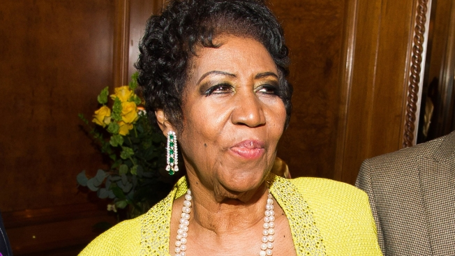 Aretha Franklin Slams Johnny Rockets Server