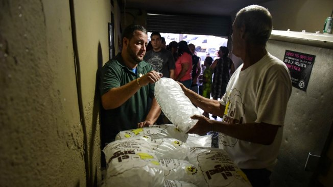 Cheers, Groans as Puerto Rico Struggles With Power Outage