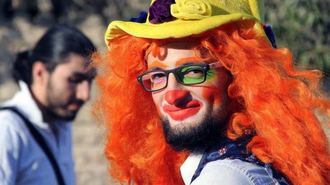 Clown Who Brought Laughter to Aleppo's Children Killed in Airstrikes