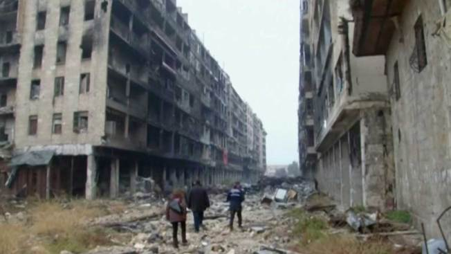 Syrian Media Say Aleppo Evacuations to Resume