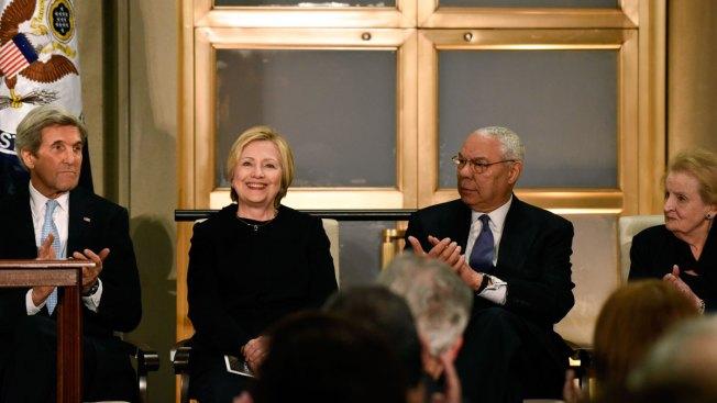 In Subtle Rebuke to Trump, Clinton Extols Diplomacy