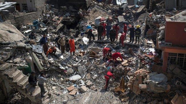 Bombardment in Iraq's Mosul Takes Heavy Toll on Civilians