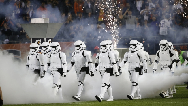 Stormtroopers Introduce 'Last Jedi' Trailer at Soldier Field