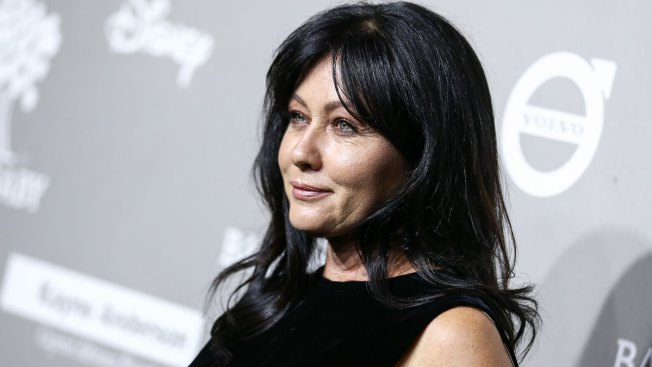 Sarah Michelle Gellar Praises ''Brave'' Friend Shannen Doherty During Breast Cancer Battle