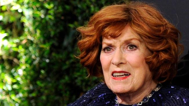 Maureen O'Hara, Spirited Movie Star, Dies at 95