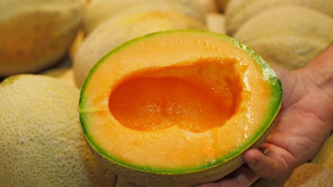 Salmonella Linked to Pre-Cut Melon Sickens 60 in Midwest