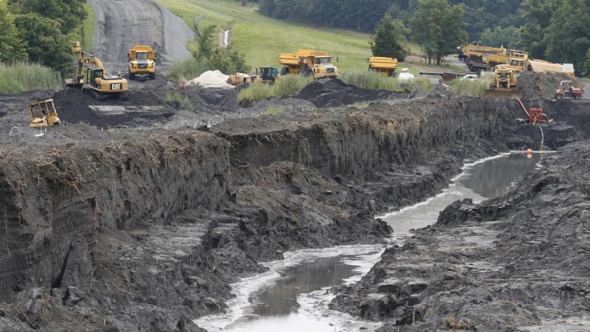 US Utilities Find Water Pollution at Coal Ash Dumps