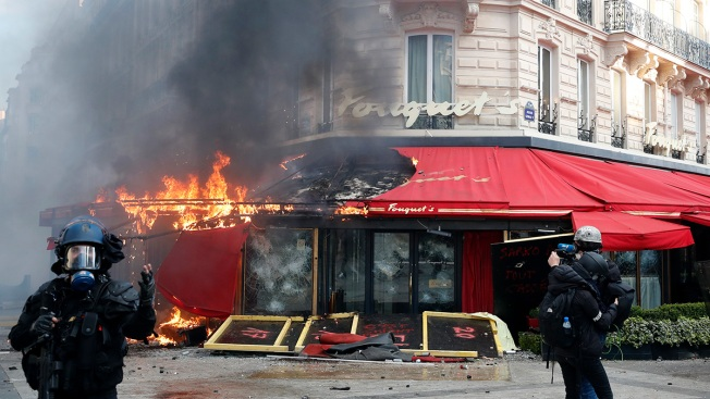 Scores Arrested in Yellow Vest Protesters' Fiery Riot in Paris