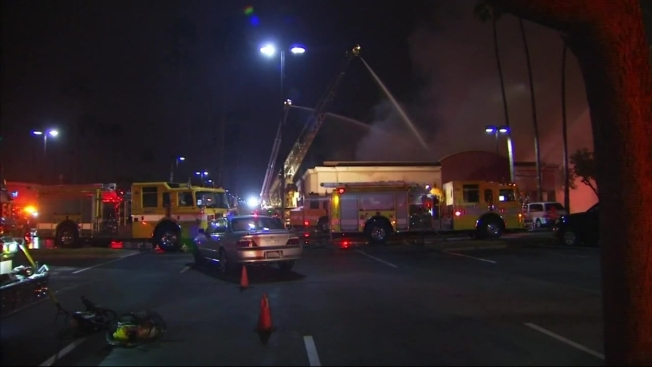 Firefighters Put Out Strip Mall Restaurant Fire In Orange County Nbc Southern California