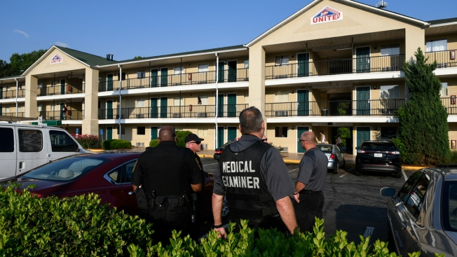 Chemicals Sicken Police Officers Who Find Body in Ga. Motel