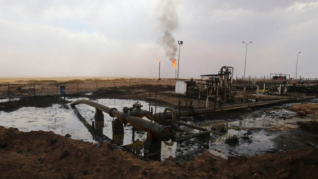 Esper: US Troops, Armored Vehicles Going to Syria Oil Fields