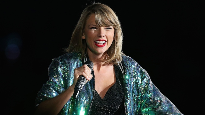 Taylor Swift Donates to UCONN Student's HuskyTHON Efforts
