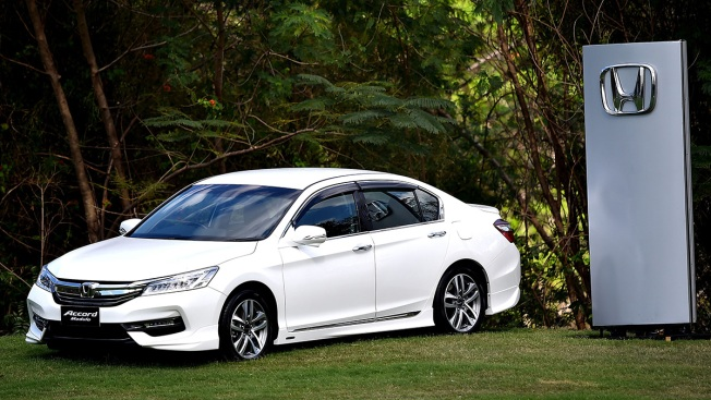 Honda Recalls 1.2M Accords; Battery Sensors Can Catch Fire