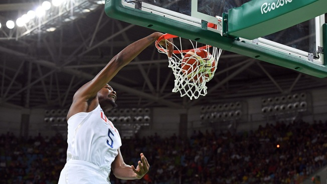 Men's Basketball: US Cruises Past Venezuela