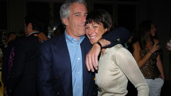 British Socialite Ghislaine Maxwell in Spotlight After Epstein's Apparent Suicide