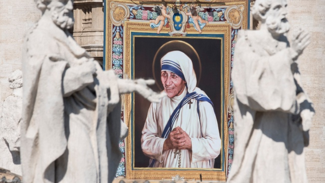 Pope Declares Mother Teresa a Saint and Model of Mercy