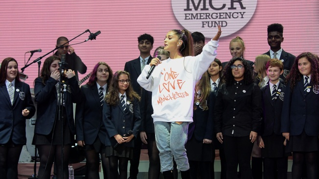 Ariana Grande to Become Manchester Honorary Citizen