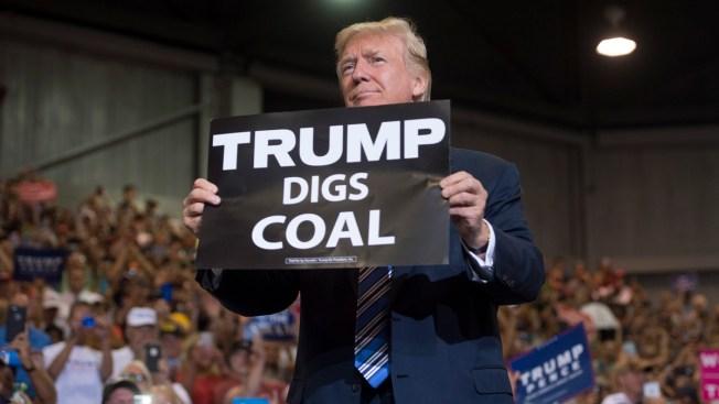 Trump Orders 'Immediate Steps' to Boost Coal, Nuclear Plants