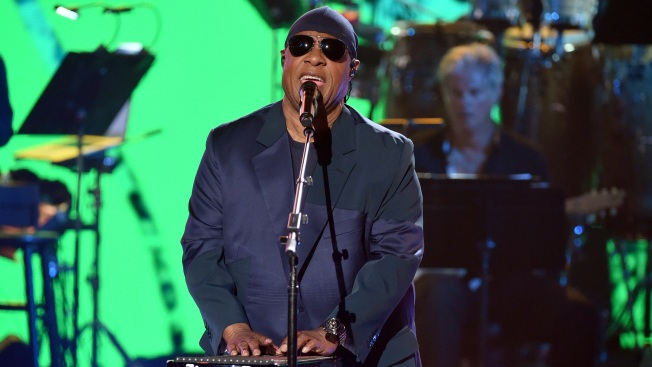 Stevie Wonder Plans to Raise Money for Firefighters Via Benefit Concert