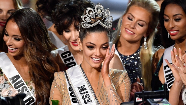South Africa Contestant Wins Miss Universe Crown