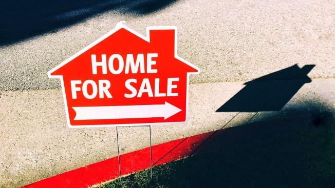 US Long-Term Mortgage Rates Fall; 30-Year at 4.55 Percent