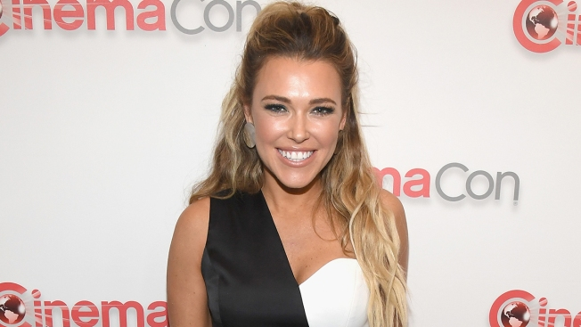Singer Rachel Platten Pregnant With 1st Child