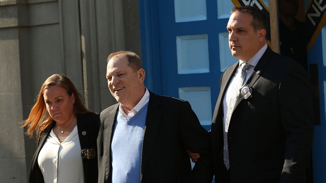 [NATL] Top News Photos: Harvey Weinstein Arrested on Rape Charges