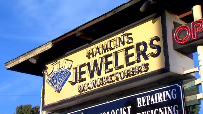PD: Disgruntled Customer Attacked Jewelry Store Owner With Hatchet