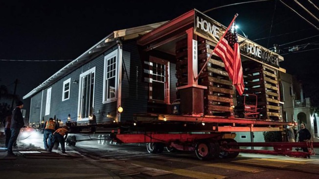 Giant Truck Hauls Big Bungalow Down Hollywood Street