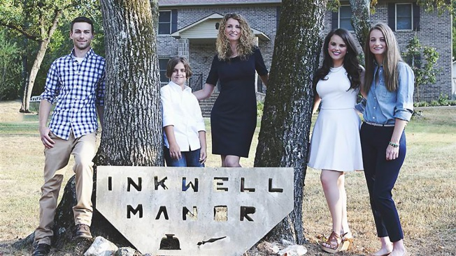Single Mom Builds 3,500-Square-Foot Home by Watching YouTube Tutorials