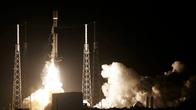 SpaceX Rocket Carries Lunar Lander, Satellite