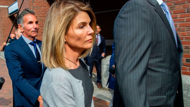 Loughlin, Other Parents Hit With New Charges in College Admissions Scheme