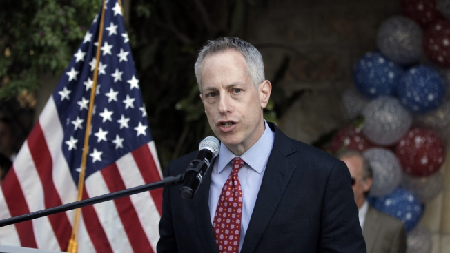 Senate Investigation Says Top US Diplomat Deleted Emails