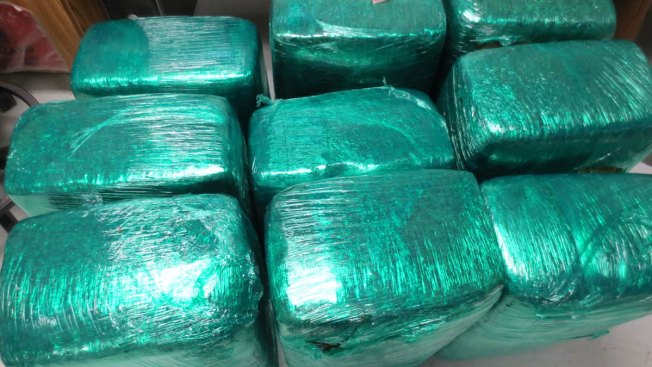 Mom, Daughter Arrested in Pot Smuggling Attempt: Agents