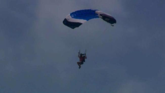 2 Skydivers Hurt When They Land on Roof in IE