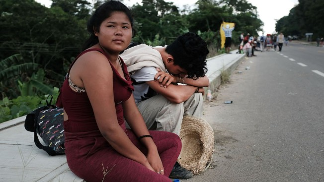 Migrants' Brief Hopes of Buses to Mexico City Dashed