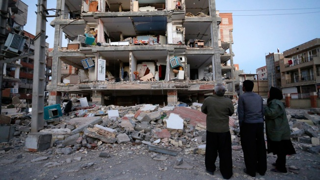 Turkey Sends Aid to Iran-Iraq Quake Victims