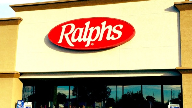 2 People Stabbed at Koreatown Ralphs, Both in Critical