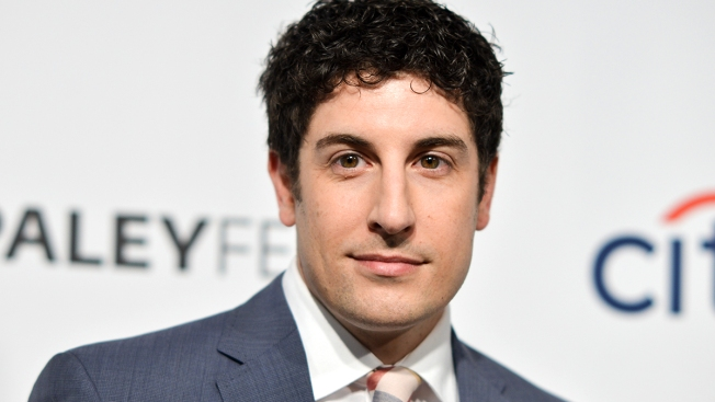 Jason Biggs Apologizes for Jokes About Malaysia Airlines Plane Crash